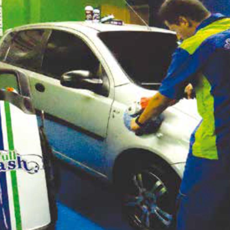 CAR WASH | En ninguna otra parte en Cúcuta lavan su carro de la forma en que lo hace en Unicentro Full Wash. Mientras usted está haciendo sus diligencias o compras, o en cine o conversando alrededor de un buen café o helado, abajo en parqueadero le están consintiendo su carro con especial esmero y responsabilidad.