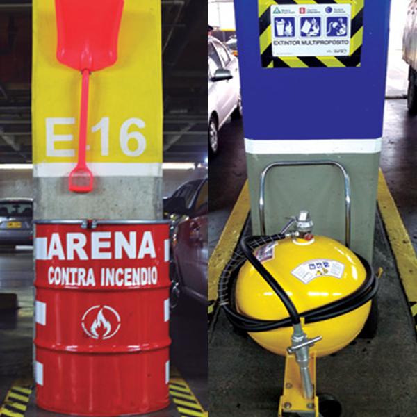 PREVENCIÓN CONTRA INCENDIOS | En Unicentro nos tomamos muy en serio la seguridad de todos y de todo lo que se encuentre al interior de sus instalaciones, por ello somos precavidos. Es así como de manera adicional a los extintores disponibles en el parqueadero, se cuenta ahora con arena, por ser este un elemento muy eficaz para sofocar incendios provocados por gasolina y otros combustibles!