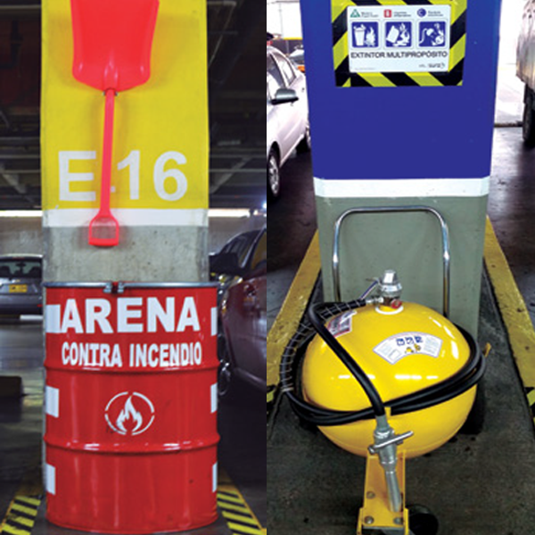 PREVENCIÓN CONTRA INCENDIOS   En Unicentro nos tomamos muy en serio la seguridad de todos y de todo lo que se encuentre al interior de sus instalaciones, por ello somos precavidos. Es así como de manera adicional a los extintores disponibles en el parqueadero, se cuenta ahora con arena, por ser este un elemento muy eficaz para sofocar incendios provocados por gasolina y otros combustibles!